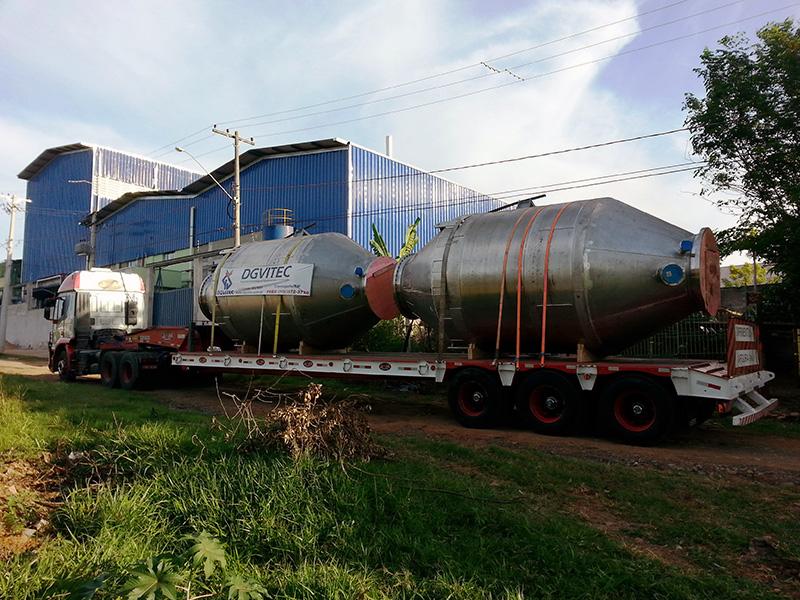 SELO MOLECULAR Peso: 4,2 ton Dimensões: ø 2668 mm X 5800 mm Normas: N-268/ ASME VIII Div. I/ ASME IX Material: Inox 310S Ano de Fabricação: 2012